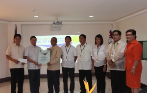 CSC Chairman Francisco T. Duque III (second from left) confers the Citizen's Satisfaction Center Seal of Excellence to the Public Attorney's Office- Kalibo District Office.