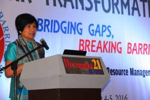 CSC Chairperson Alicia dela Rosa-Bala gives her Keynote Speech during the 6th Visayas Congress of HRMPs in Iloilo City on August 4, 2016. (Photo courtesy of PIA RO6)